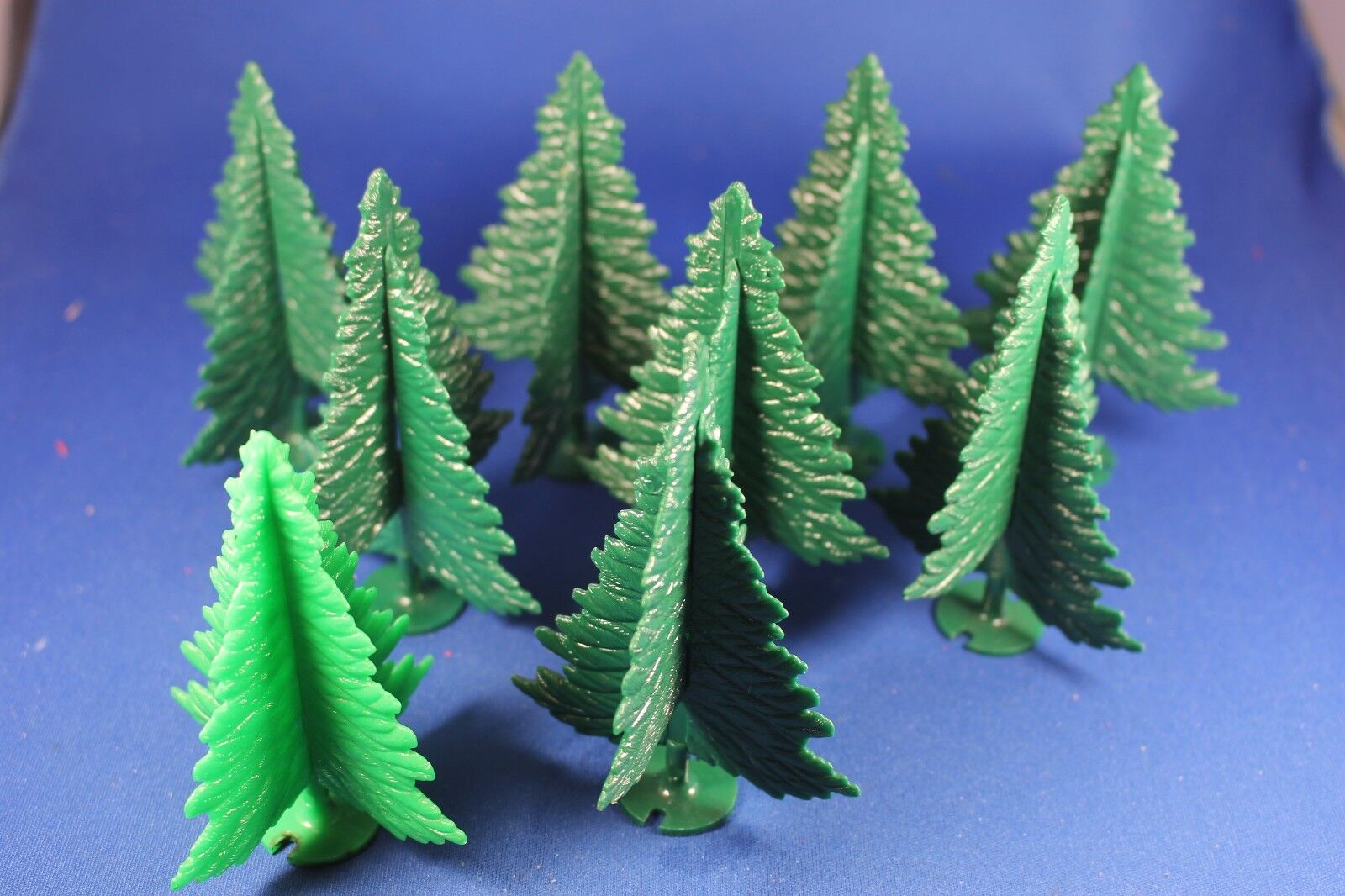 Plasticville - O-O27 -  TR-6 DARK Green Spruce Trees (8) - Excellent++ Condition