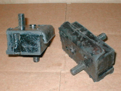 NOS Mopar pair m//mounts 1963-68,1971 Dodge A100 A108 van  273 engine #2508201