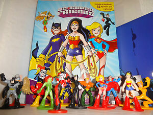 DC SUPER FRIENDS - SUPER WOMEN BUSY BOOK - STORY 12 FIGURES AND A PLAYMAT