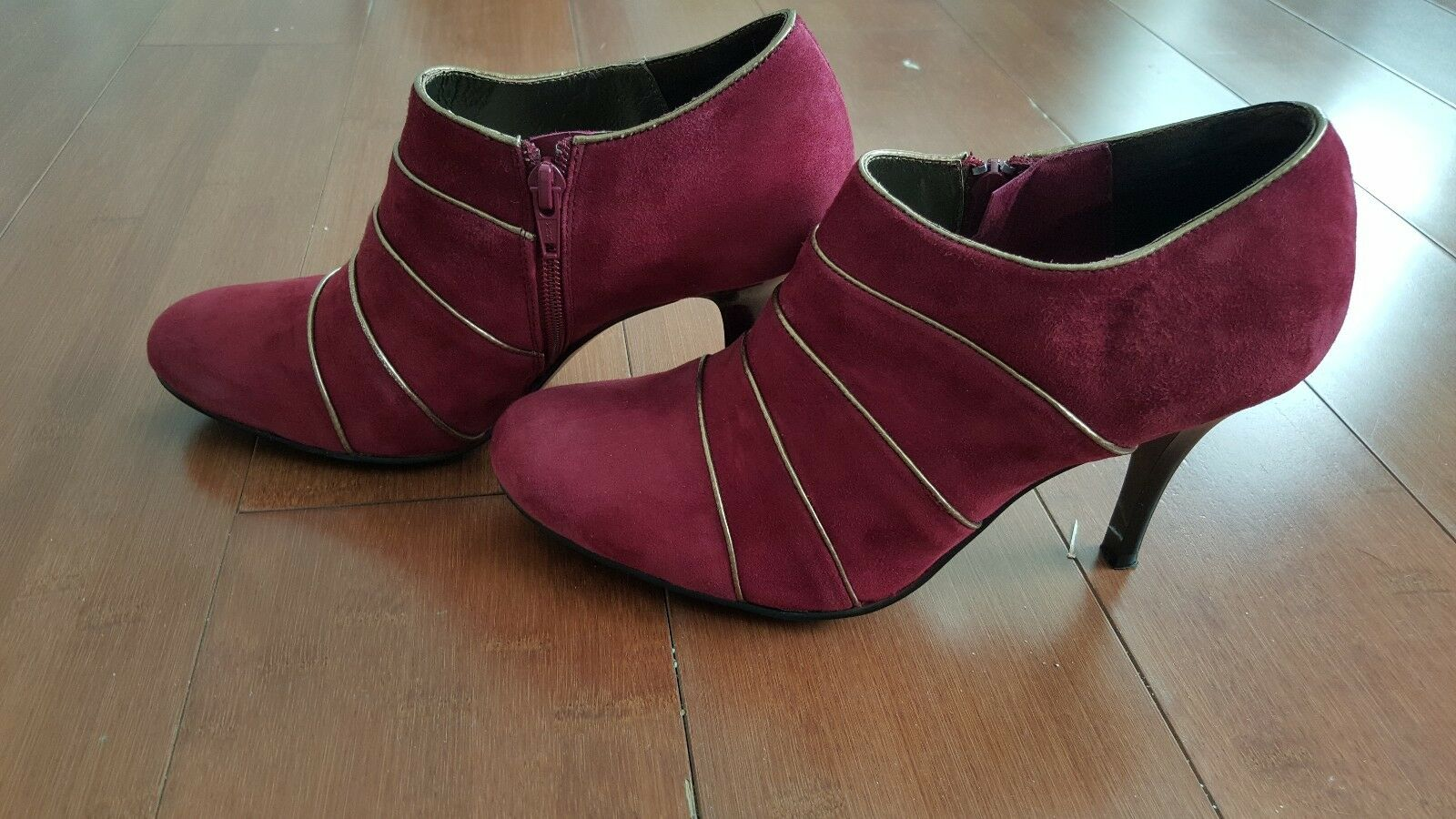 Charles David Damenschuhe ROT Suede 8.5 Ankle Stiefel Booties Größe 8.5 Suede 7d71e3