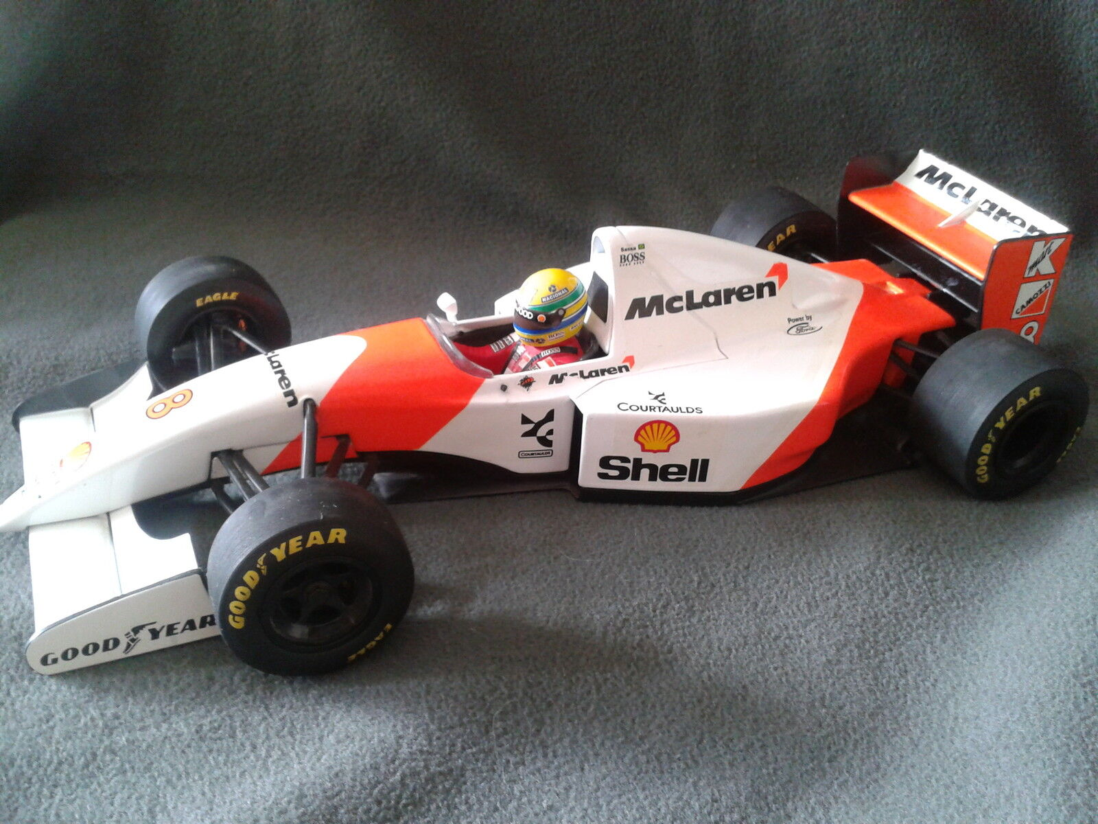 Minichamps McLAREN FORD MP4/8 AYRTON SENNA 1993 1/18