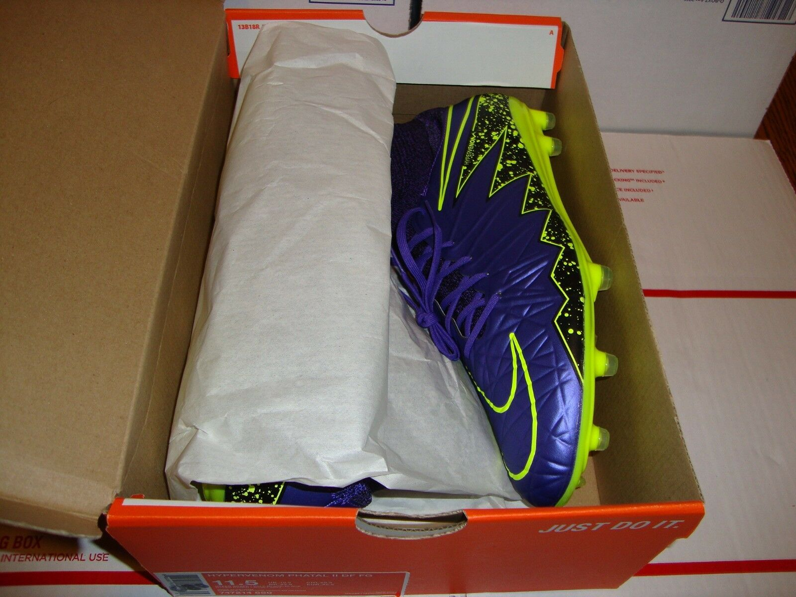 NIKE HYPERVENOM PHATAL II DF FG MENS SOCCER CLEATS MENS SIZE  **NEW**