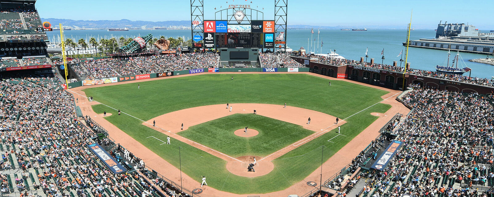 Miami Marlins at San Francisco Giants Tickets (Happy Hour Mondays - $6 Large Domestic Beers till 7:00 pm)