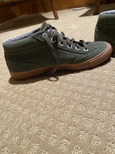 Nike Shoe Go Chukka Green Suede (SIZE 8)