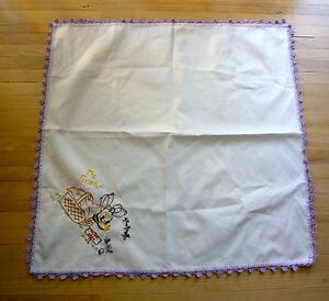 "28"" Square SPRING GARDEN BUMBLE BEES Embroidered TABLECLOTH Honey Beekeeping"
