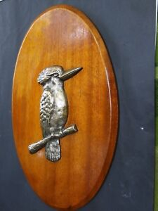 Antique-Australian-Bronze-Kookaburra-Bird-on-Maple-Wall-Plaque-1920-039-s-Rare