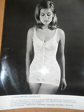 photo vintage lingerie - mode - sous vêtement - 1968 ( ref 20 )