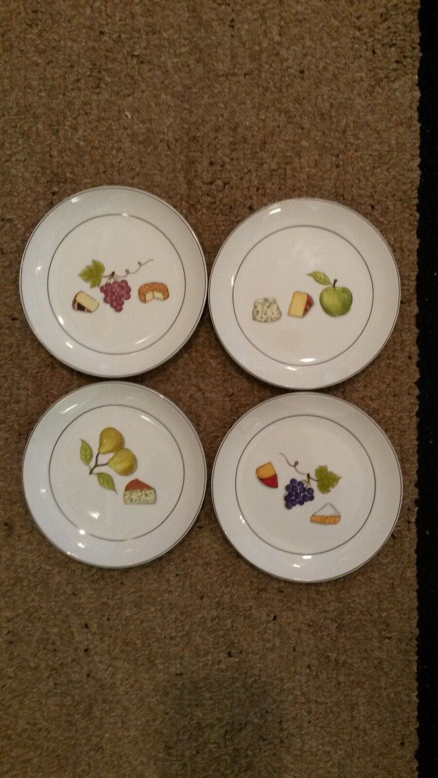 4 CRATE & BARREL CHEESE FRUIT APPETIZER PLATES 6.5  UNUSED