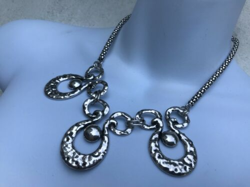 CAPIZ LOVELY TEXTURED SILVER SWAN FEATURE SNAKE CHAIN STATEMENT GLAM NECKLACE