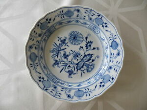 Teller-Meissen-Meissner-Porzellan-Porzellteller-Blumenmalerei-weiss-blau