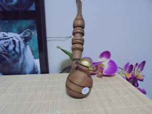 Collectible-Hand-Carved-Wooden-Pipe