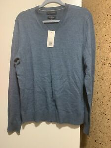 NWT-Banana-Republic-Mens-Washable-Merino-Wool-V-neck-Sweater-Aqua-Blue-Medium