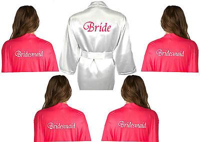 Personalizzato Set Di 5 Bridal Satin Wedding Robe Da Camera Bianco & Rosa Shocking-mostra Il Titolo Originale Buona Reputazione Nel Mondo