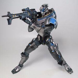 Auch zu Mass Effect gibt es die passenden Action Figuren für euer Regal