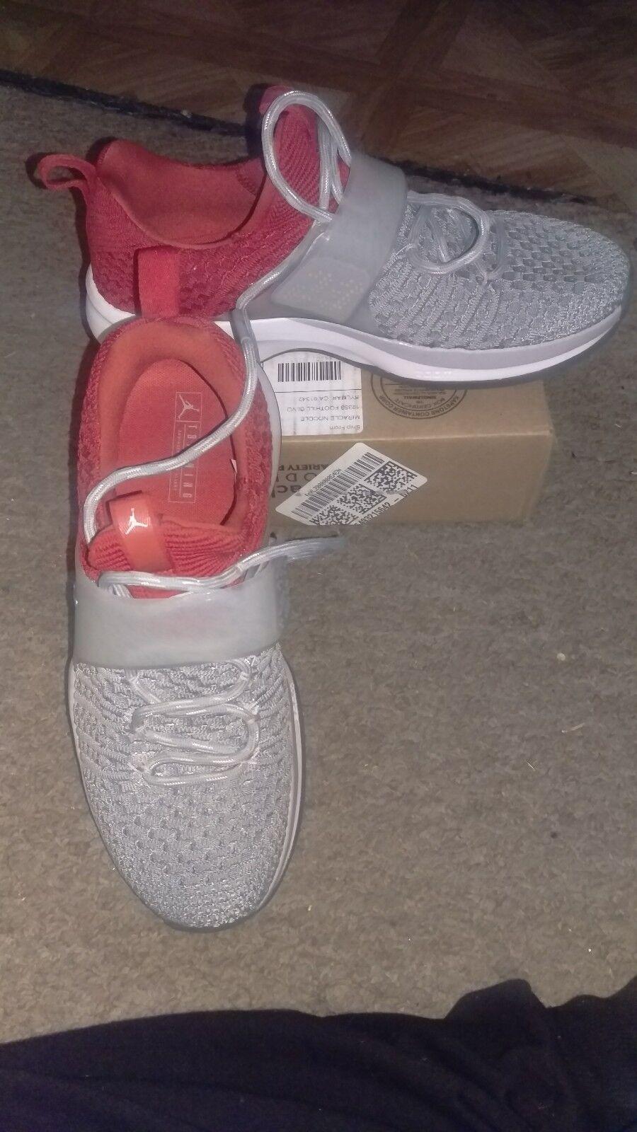 Jordan formatori 2 rosso flynit sz 8 Uomo rosso 2 / gray leggermente usato b92d94