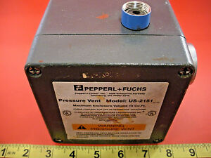 Pepperl-Fuchs-US-2151-Pressure-Vent-Purge-Control-US2151-US-2151-used