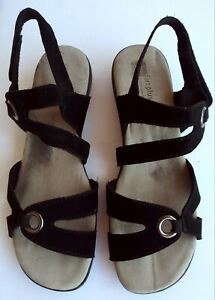 Comfort Plus by Predictions Womens Black Wedge slip on Sandals size 9.5W