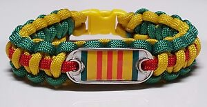 Vietnam-Service-Ribbon-Emblem-on-Green-Yellow-amp-Red-Band-Paracord-Bracelet-TM