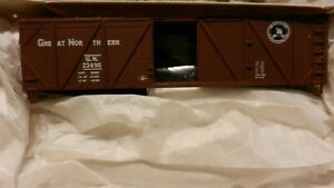 Walthers-HO-Great-Northern-40-039-Wood-Outside-Braced-Boxcar-Kit-NIB