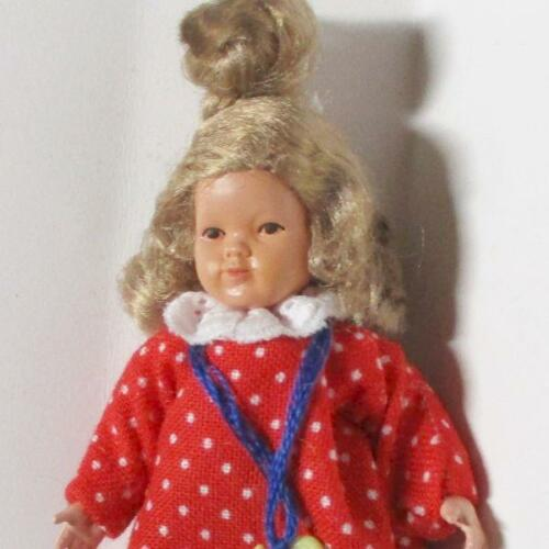 Dollhouse Dressed Little Girl Caco DHS0264 Blond Red /& Blue w Dots Miniature