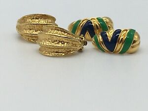 VINTAGE 2 PAIR GOLD TONE GREEN BLUE ENAMEL HALF HOOP CLIP ON EARRINGS