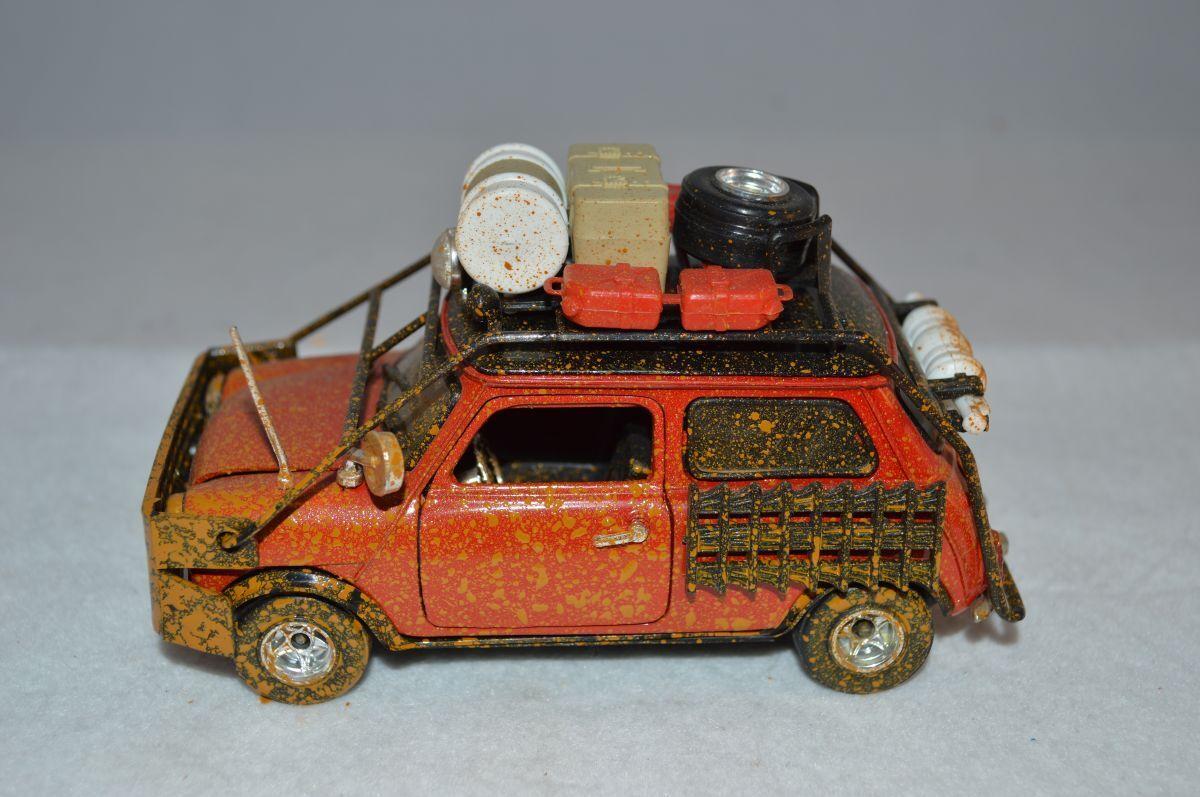 Polistil Mini Cooper Rallye Safari Model 1 24 mint