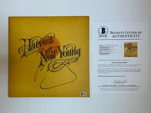 NEIL-YOUNG-SIGNED-HARVEST-LP-ALBUM-AUTOGRAPH-BECKETT-BAS-COA-CRAZY-HORSE-RECORD