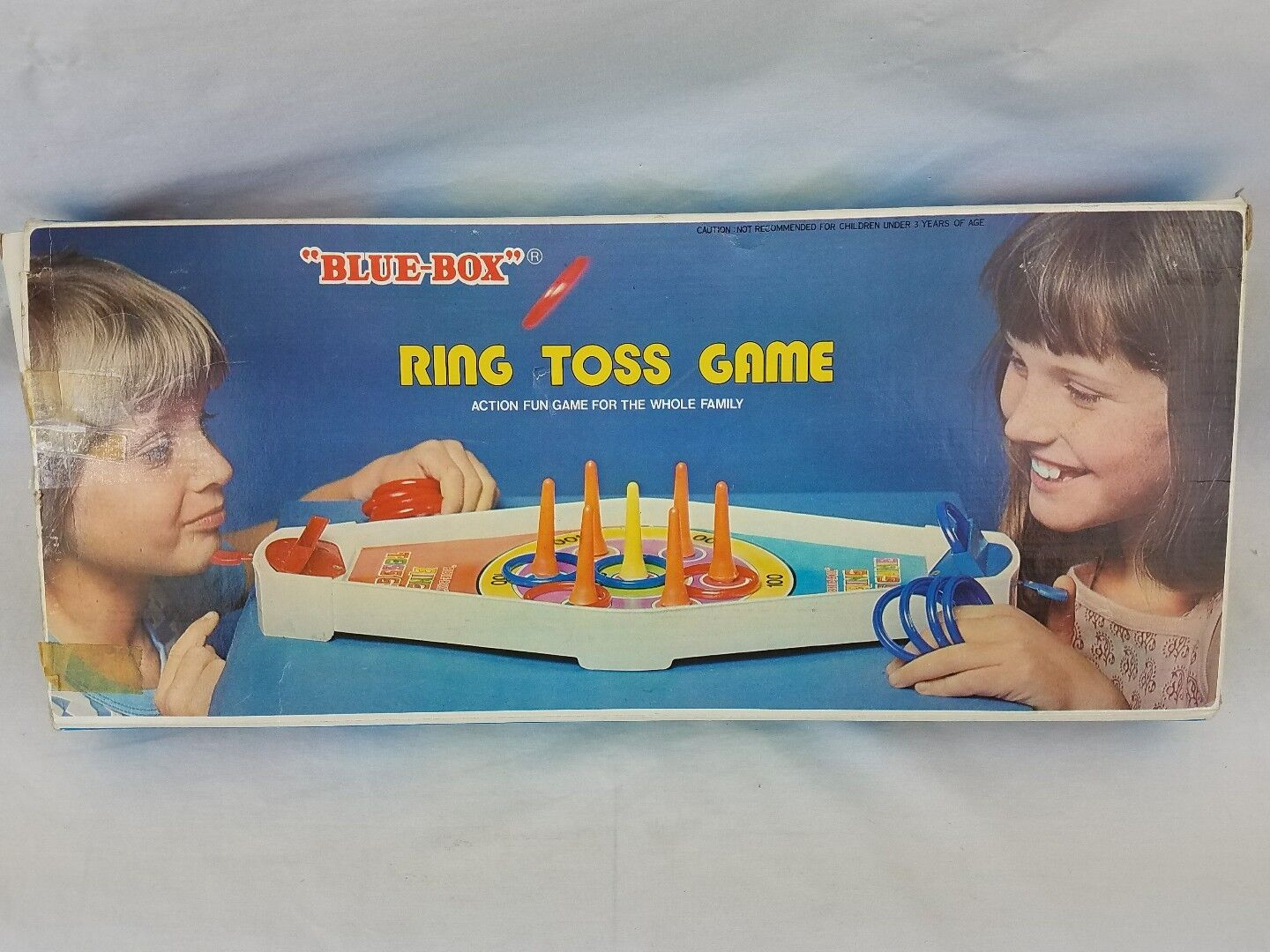 Vtg Ring Toss Toss Toss Game from bluee Box Kids 79435b