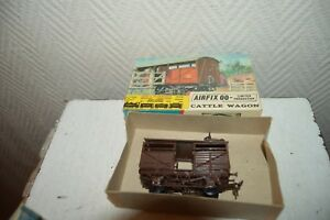 ANCIENE-MAQUETTE-AIRFIX-00-CATTLE-WAGON-BETAIL-MODEL-KIT-HO-TRAIN-VINTAGE-1960