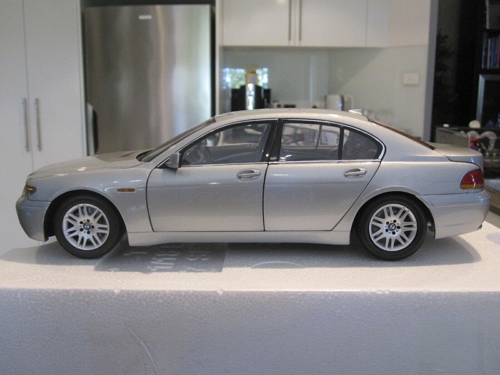 1 18 Kyosho 08571S BMW 745i E65 argento  Nuevo