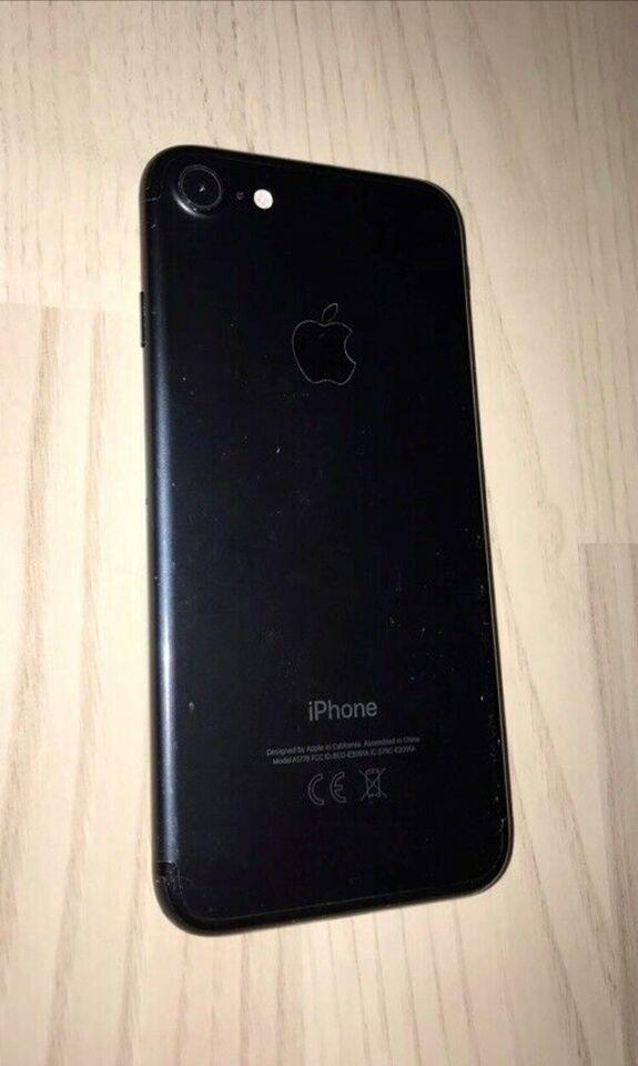 iPhone 7, 32 GB, sort