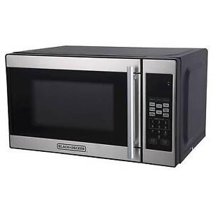 Black Decker 174 0 7cu Ft 700 Watt Microwave Oven Black