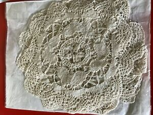 6-lace-and-crochet-coasters-mats