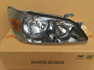 Lexus-IS-200-Toyota-Altezza-Scheinwerfer-rechts-Lampe-Reflektor-Headlamp