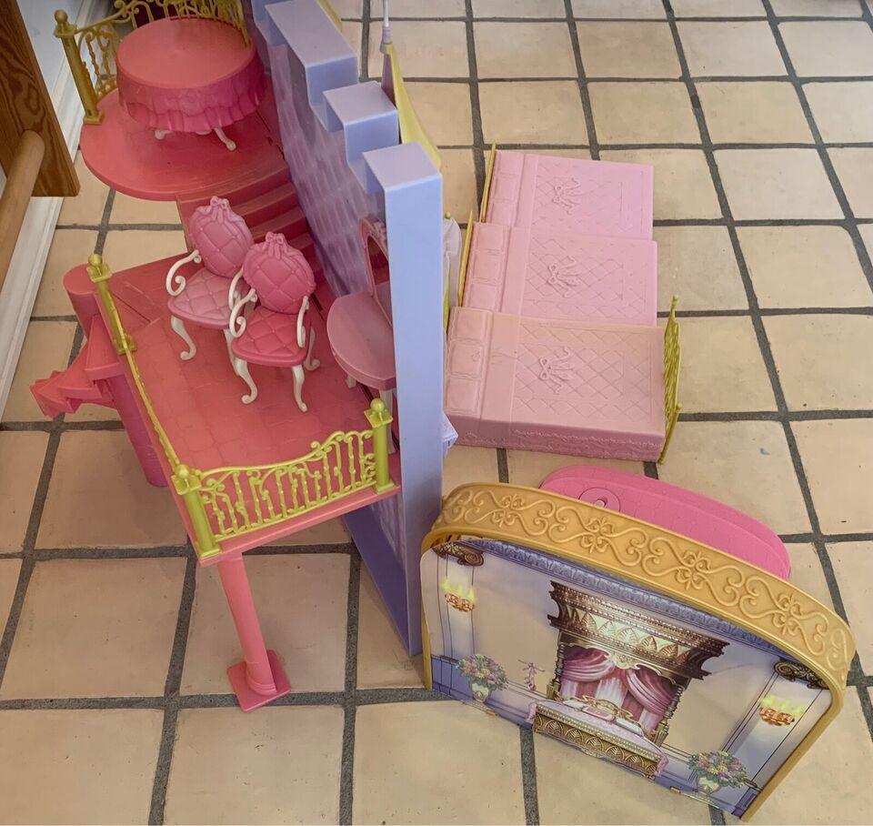 Barbie, Barbie slot