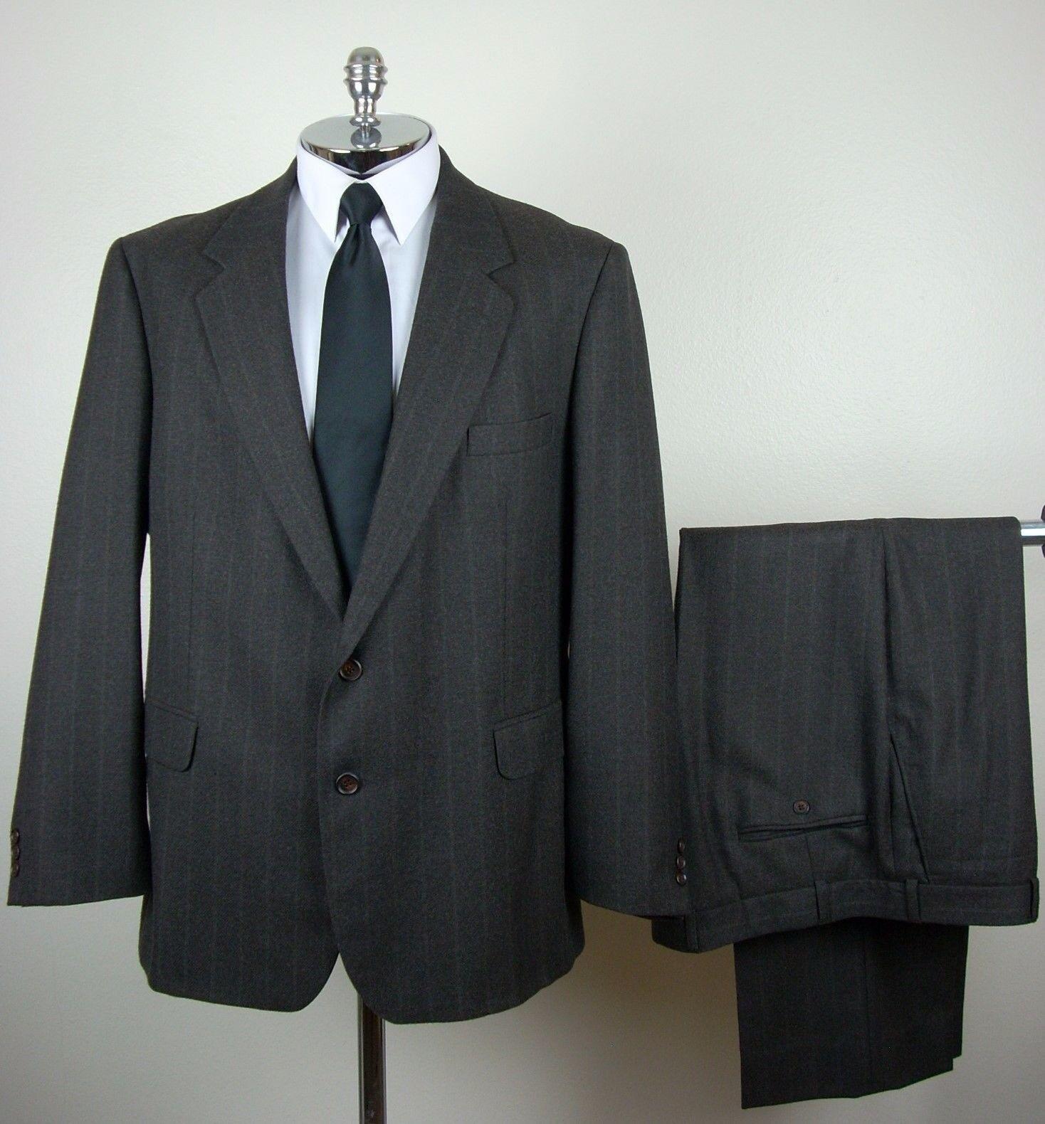 CHRISTIAN AUJARD  Herren grauish Braun PURE WOOL 2 Button Pinstripe Suit Größe 44 R