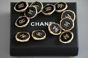 Chanel-buttons-lot-of-16-size-0-8-inch-20-mm-logo-CC-black-amp-gold-metal