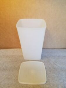 Tupperware-313-1-Sheer-Tall-Storage-Container-Vintage-Lid-310-38