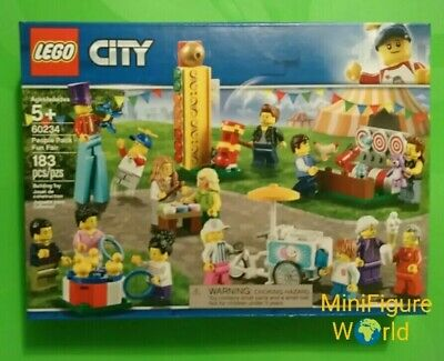 Lego fair Worker Minifigure/& purple bear from 60234 City Fair People pack new
