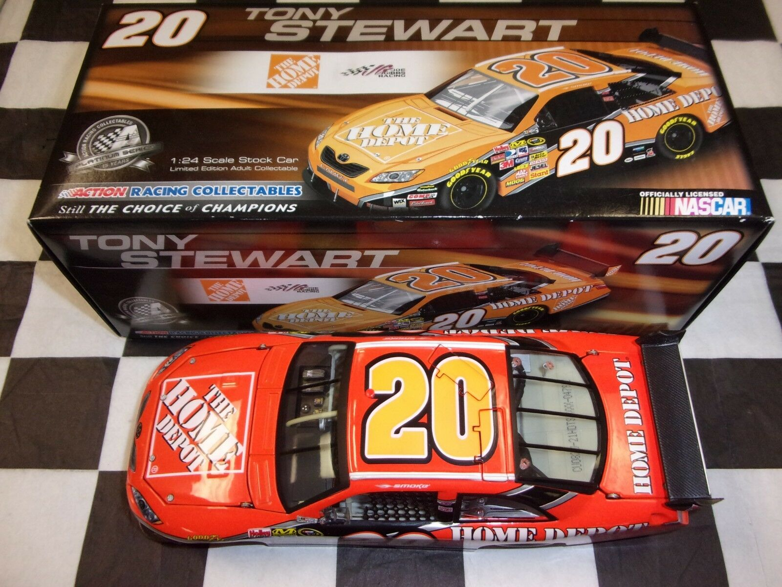 Tony Stewart  20 Home Depot 2008 Camry Action NASCAR 1 24 scale car C208821HDTS