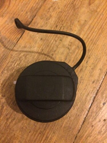 2000-2018 VOLKSWAGEN POLO PETROL FUEL CAP WITH CORD