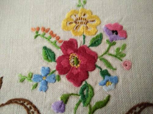 Stunning Wild Rose Floral Bouquet   Vintage Raised Hand Embroidered Doily 2 av