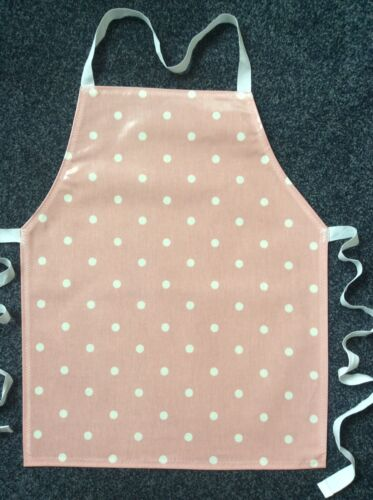 IDEAL XMAS GIFT TODDLER'S PVC PLASTIC WIPE CLEAN CRAFT//COOKING PINK SPOTS APRON