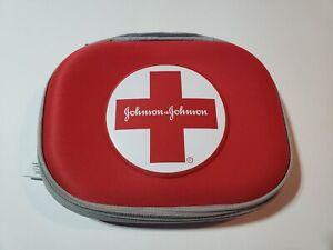 FIRST AID KIT POUCH BAG EMPTY W/ ZIPPER POUCHES JOHNSON & JOHNSON (EMERGENCY)