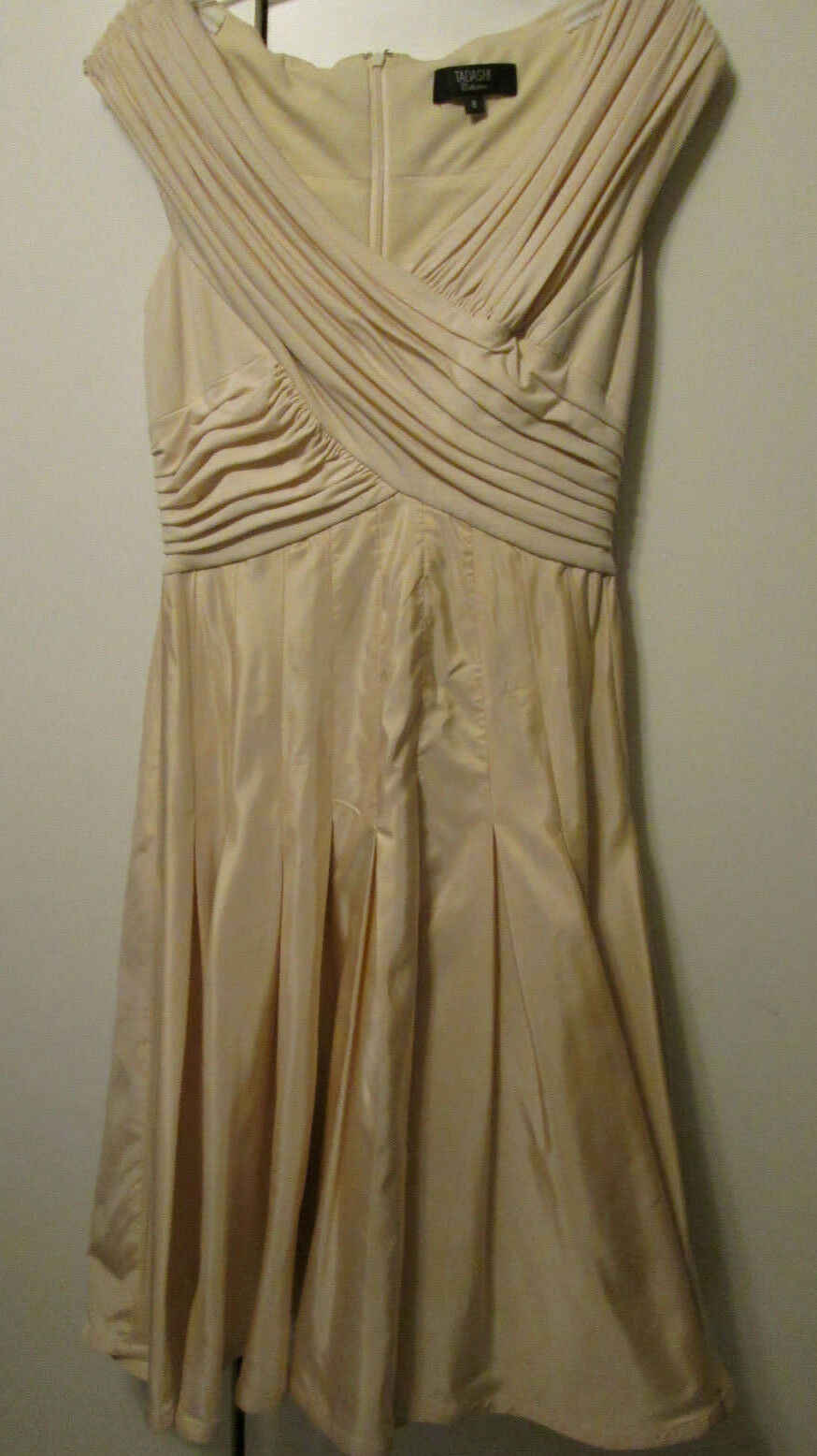 Tadashi Collection Champagne Beige Pleated Front Satiny Full Flowy Skirt 8 NWOT