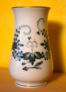wunderschoene-Meissen-Vase-gruenes-Muster-ohne-Schaeden