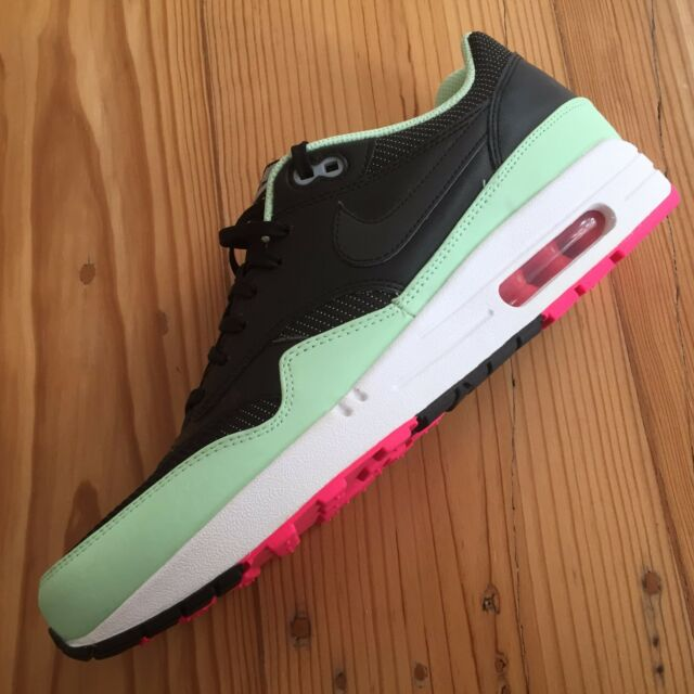 c8bf03fd9781d Nike Air Max 1 FB Yeezy Black / Fresh MINT / Pink Flash RARE 579920 ...
