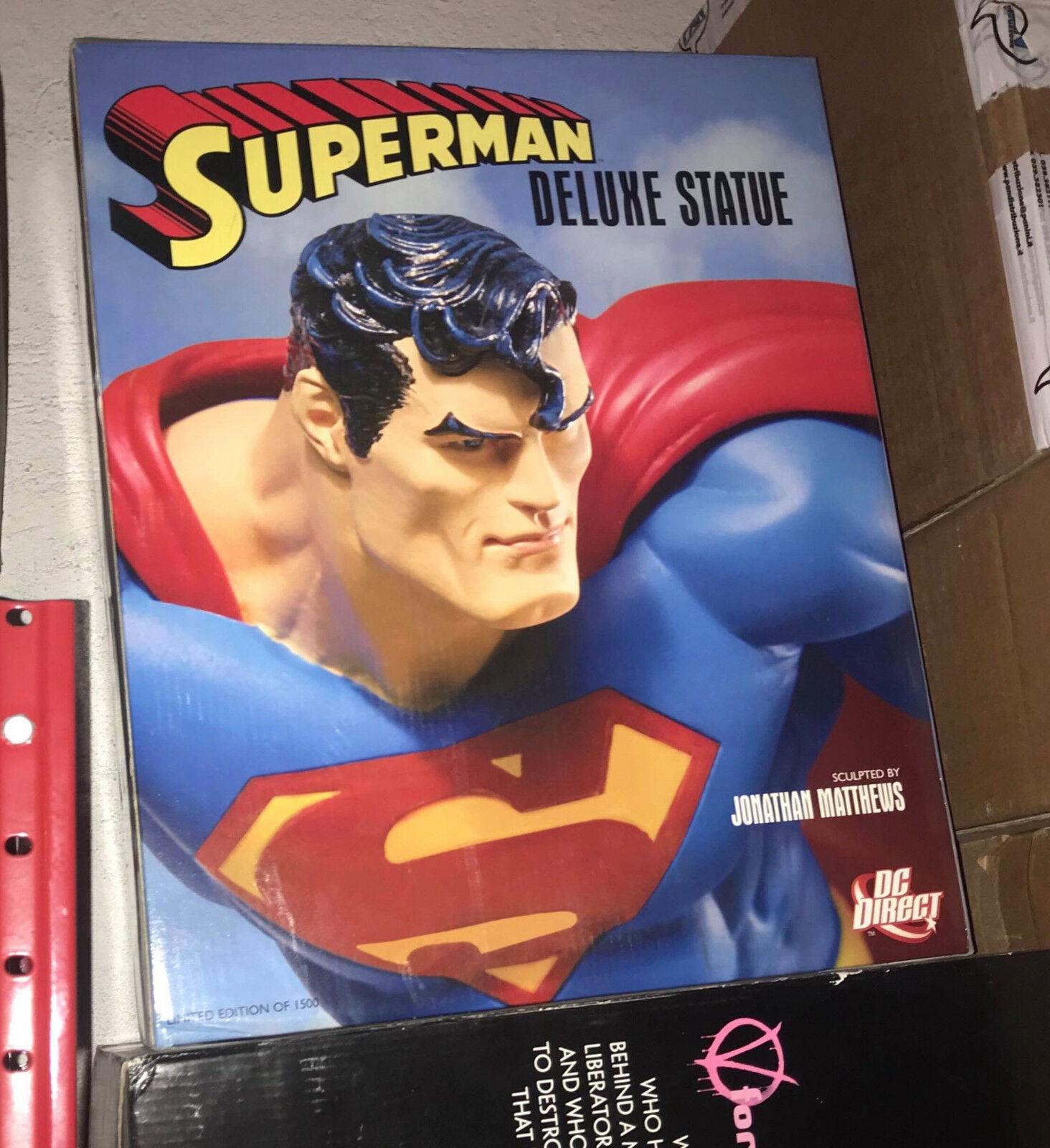 Superuomo Deluxe Statue con Base Daily Planet rossoante (DC DIRECT) DIRECT) DIRECT) 61b253