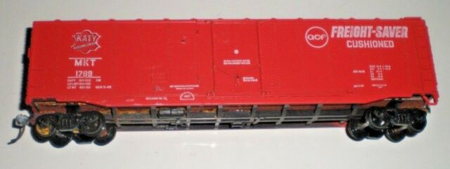 HO SCALE FREIGHT- SAVER CUSHIONED BOXCAR, MKT 1789 FOR PARTS OR REPAIR  NO BOX