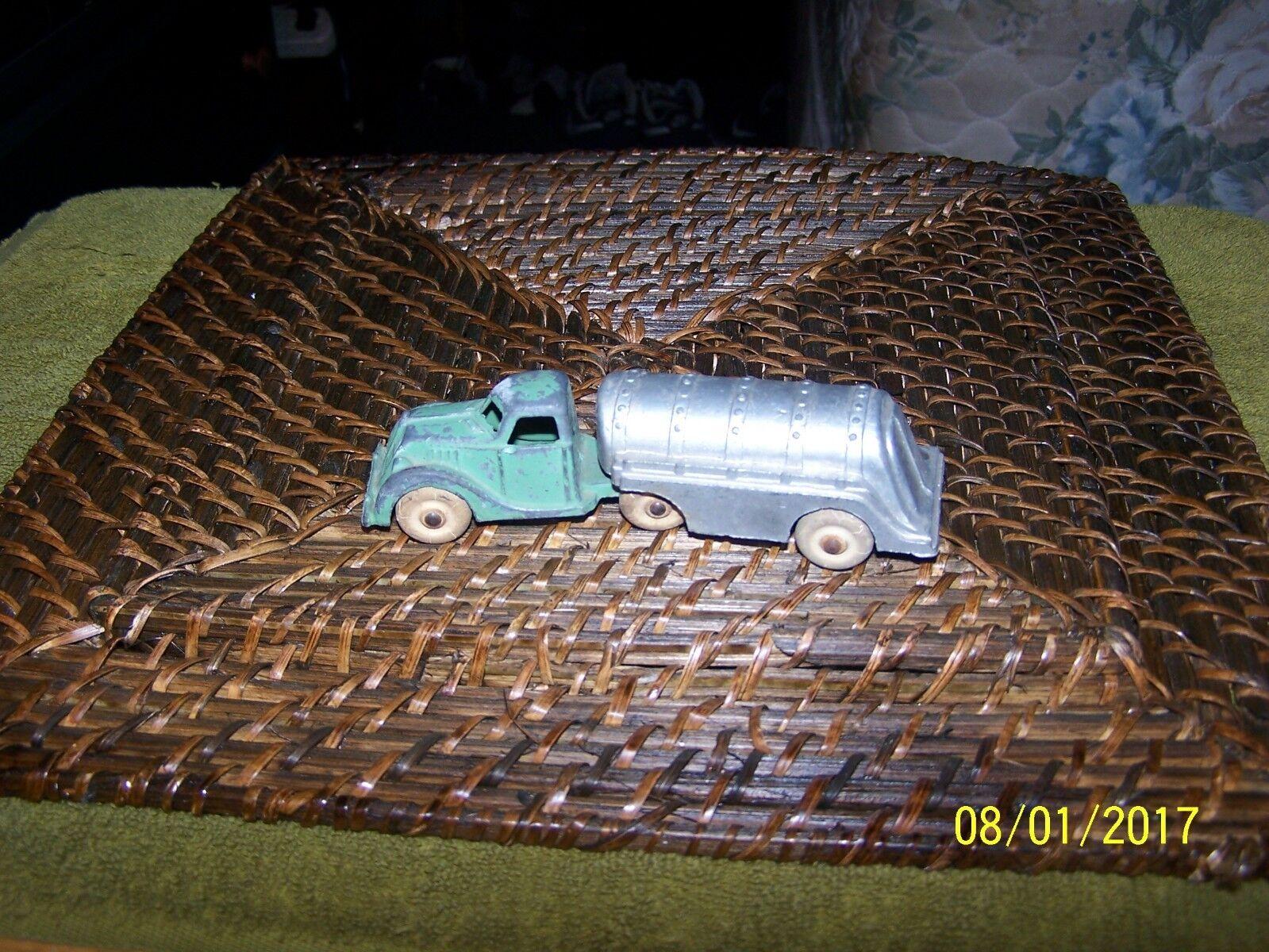 online al mejor precio Vintage Hubley 2 piezas Aceite Gas camión cisterna cisterna cisterna 5.5  de largo  a precios asequibles